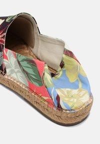 Polo Ralph Lauren - CEVIO - Espadrilles - patio floral - 6