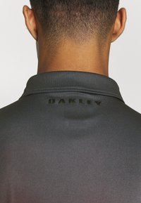 Oakley - SUNSET - Polo shirt - smoke poppy red - 5