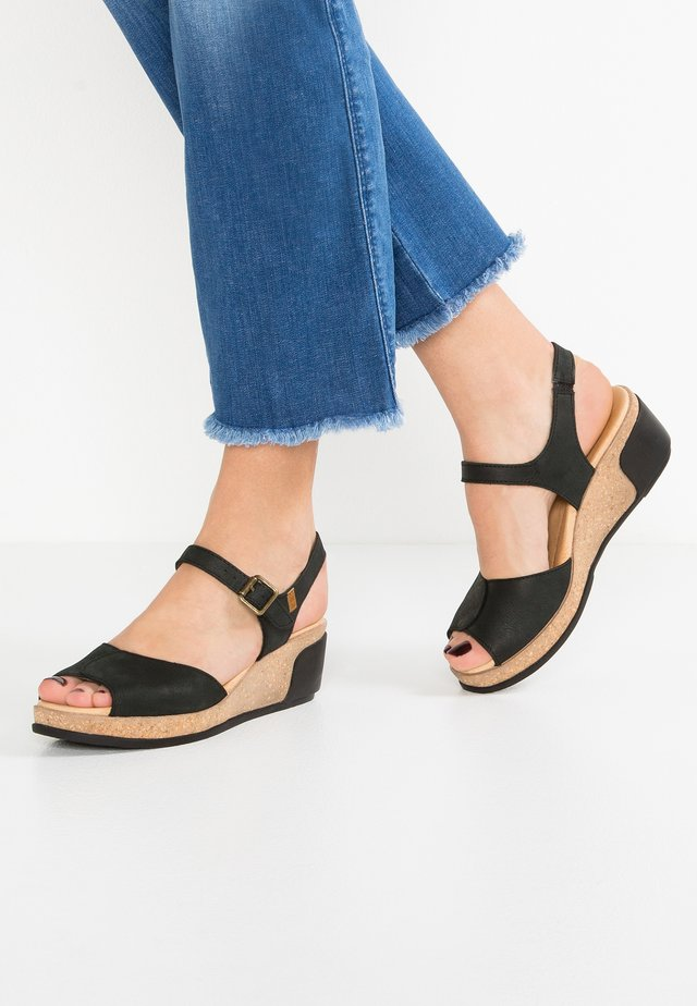 LEAVES - Platform sandals - black