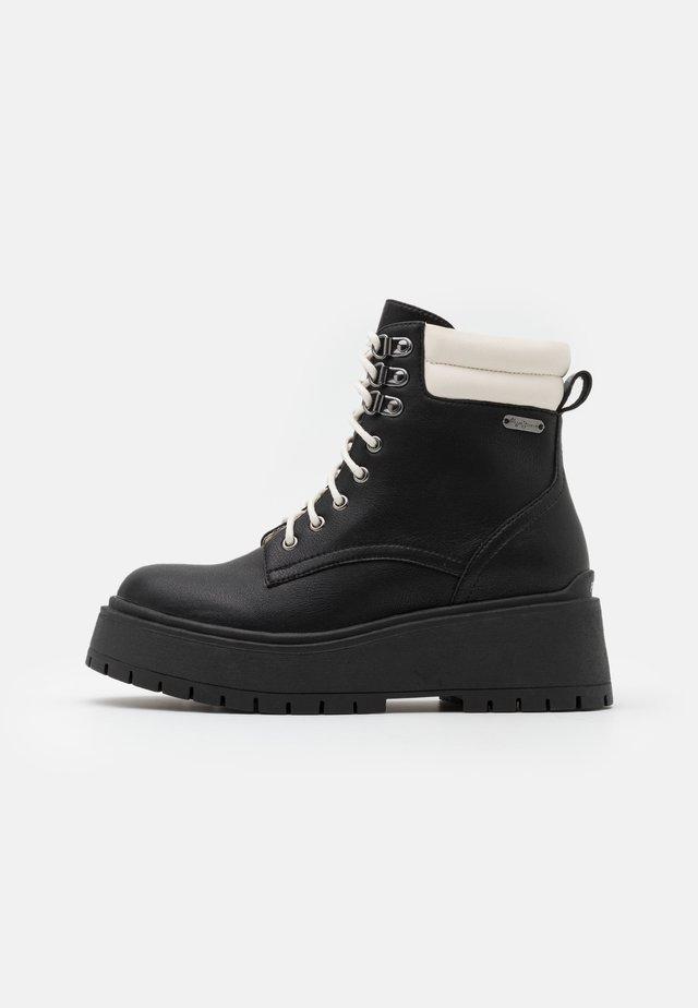 BOBBING MIXED - Kotníkové boty na platformě - black
