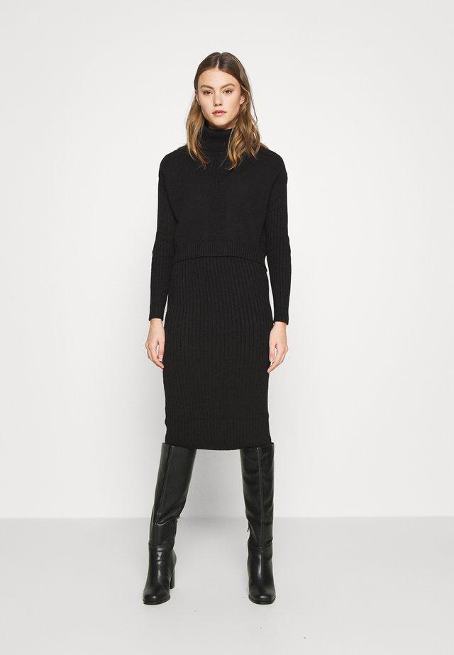 2-IN-1 - Pletené šaty - black