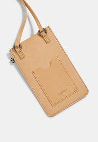 Esprit - Phone case - camel - 5