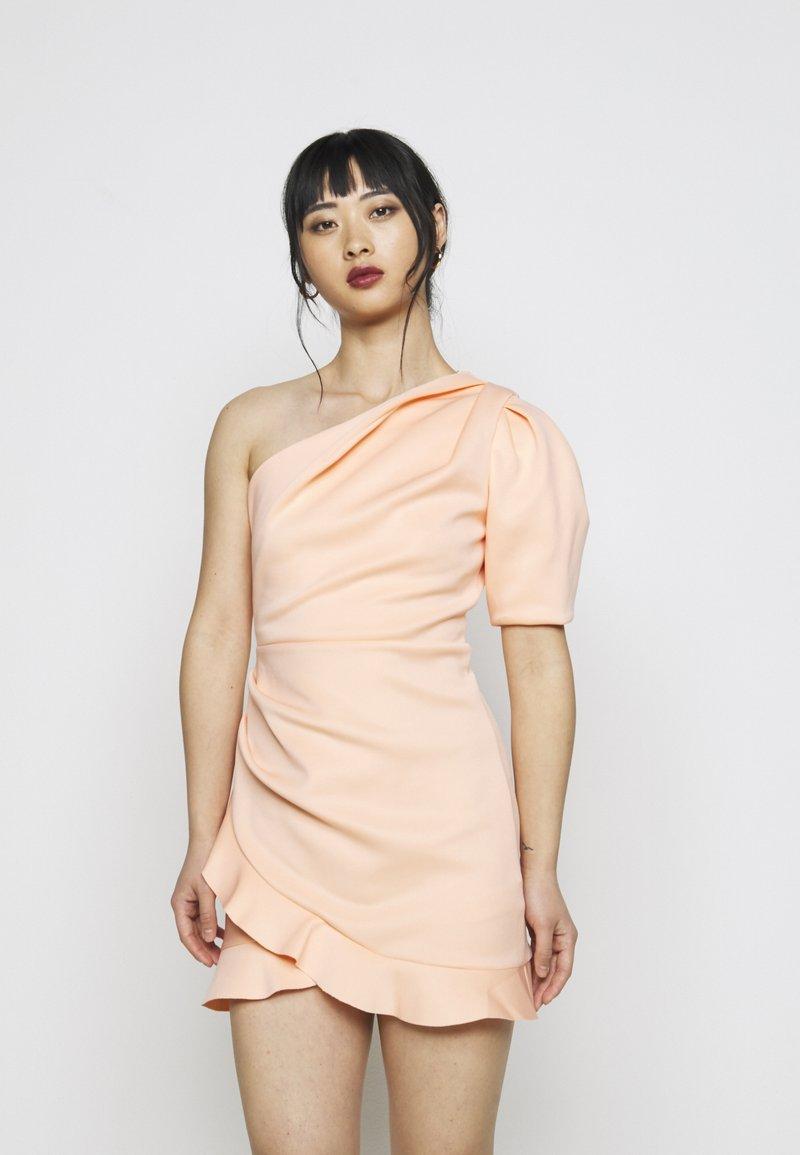 Miss Selfridge Petite - ONE SHOULDER SCUBA DRESS - Cocktailkjole - peach