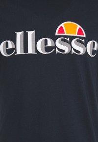 Ellesse - HAREBA - Print T-shirt - navy - 6