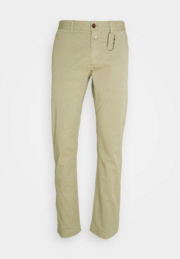 CLIFTON  - Trousers - green bark