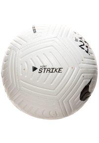 Nike Performance - STRIKE - Football - white / black / metallic gold - 1