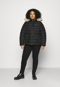 Tommy Jeans Curve - ESSENTIAL HOODED JACKET - Winter jacket - black - 1
