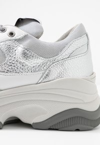 Selected Femme - Sneakers laag - silver - 2