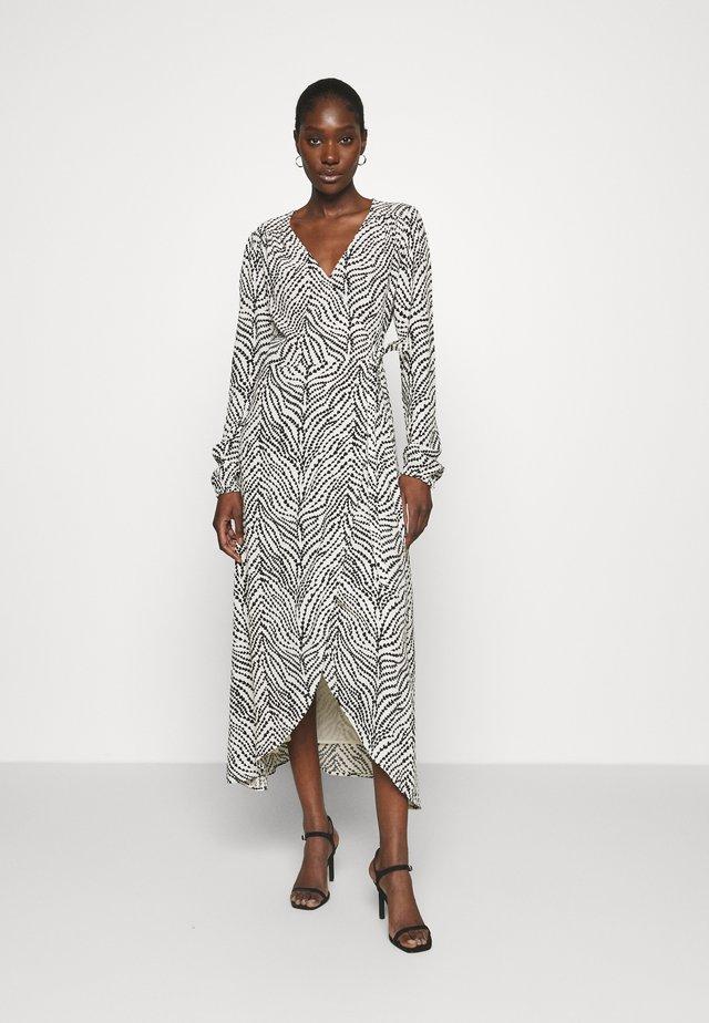 NATASJA DRESS - Korte jurk - black/white