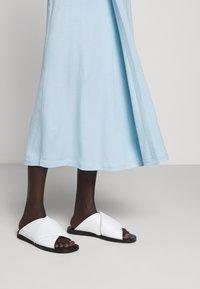 Filippa K - VIOLA SKIRT - Maxi sukně - pale blue - 4