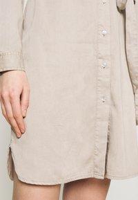 Vila - VIBISTA BELT DRESS - Denim dress - simply taupe - 5