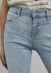 Esprit - Jeans Skinny Fit - blue bleached - 3