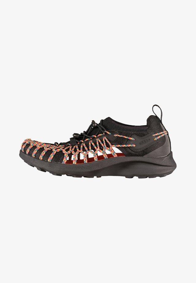 Sneakers laag - black, orange
