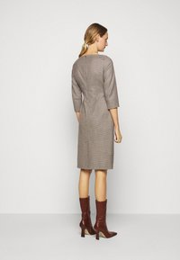 WEEKEND MaxMara - BURGOS - Shift dress - kamel - 2