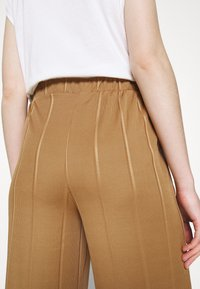 JDY - JDYBINA WIDE LOUNGE PANT - Trousers - toasted coconut - 3