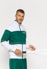 Lacoste Sport - TRACK SUIT - Verryttelypuku - bottle green/white - 5