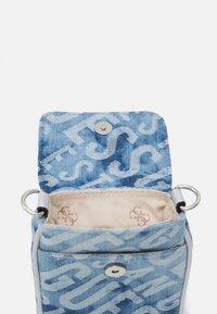 Guess - MANHATTAN CHIT CHAT - Across body bag - blue - 2