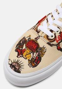Vans - AUTHENTIC UNISEX - Sneakers basse - dwiky ka - 6