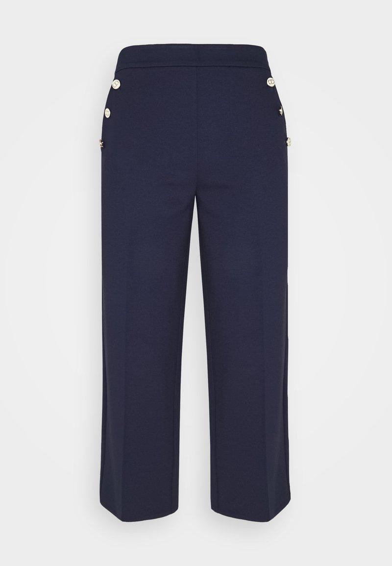 TWINSET - PANTALONE IN PUNTO MILANO DETTAGLIO BOTTONI - Trousers - indaco/neve