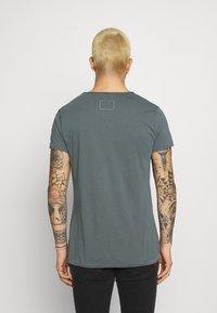 Tigha - MALIK - Basic T-shirt - asphalt - 2