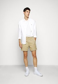 Polo Ralph Lauren - CFPREPSTERS FLAT - Shorts - luxury tan - 1