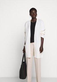 By Malene Birger - URSULA - Cardigan - soft white - 4