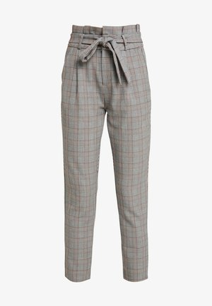 VMEVA PAPERBAG CHECK PANT - Trousers - grey/brown/rust