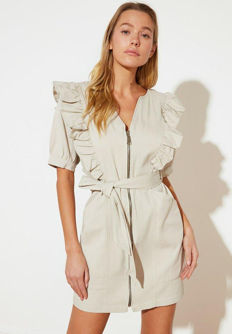 Trendyol - PARENT - Shift dress - beige