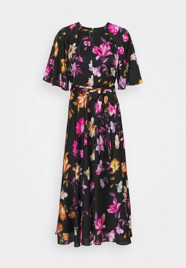 OSSIEE - Korte jurk - black