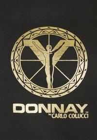 Carlo Colucci - DONNAY X CARLO COLUCCI - Bomber Jacket - black/gold - 2