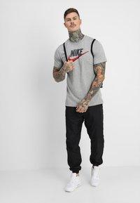 Nike Sportswear - Camiseta estampada - grey heather - 1