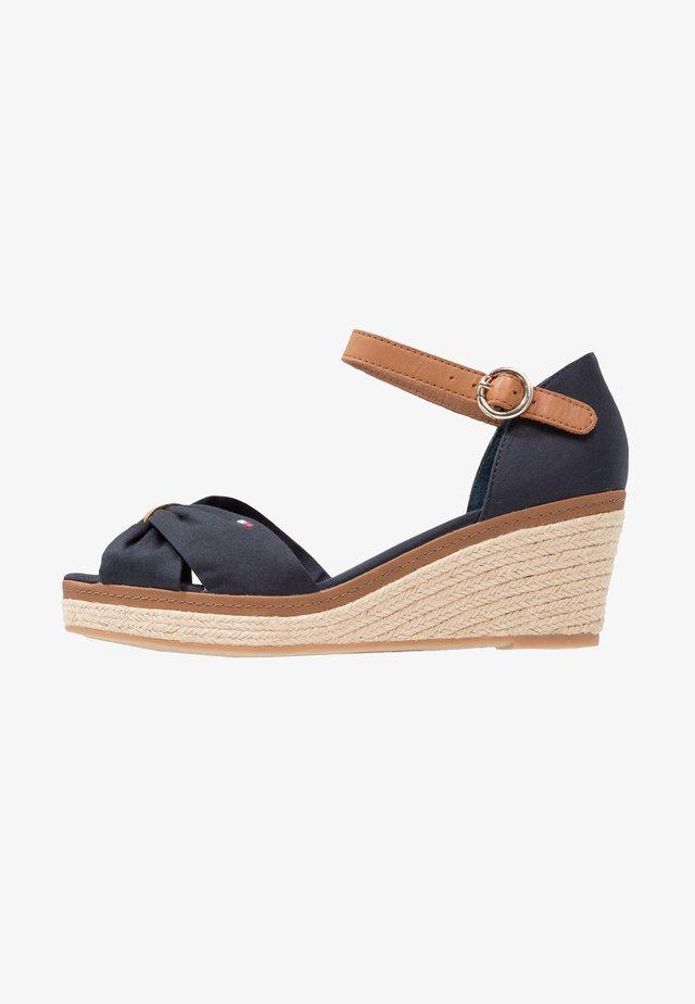 ICONIC ELBA SANDAL - Sandalen met plateauzool - dark blue