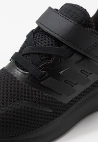 adidas Performance - RUNFALCON I UNISEX - Zapatillas de running neutras - core black - 2