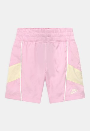 HERTIAGE - Shorts - pink foam/coconut milk