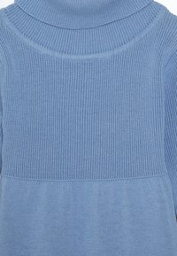 Blue Seven - KIDS ROLLNECK DRESS - Gebreide jurk - hellblau - 2