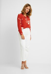 Vila - VILUCY FAV LUX - Blouse - ketchup/androsa - 1
