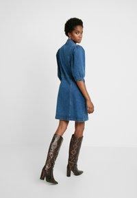 Soft Rebels - SRDEBBIE SHORT DRESS - Robe en jean - everyday mid blue - 3