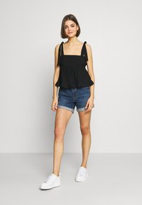 Lost Ink - PLEATED DETAIL BOW TIE CAMI - Blouse - black - 1