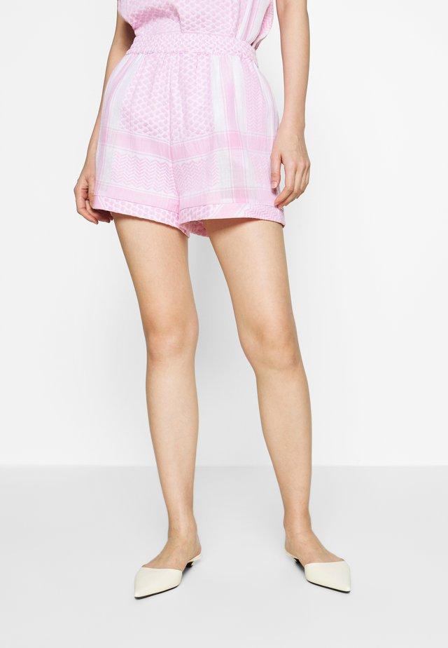 BASIC - Shorts - pink