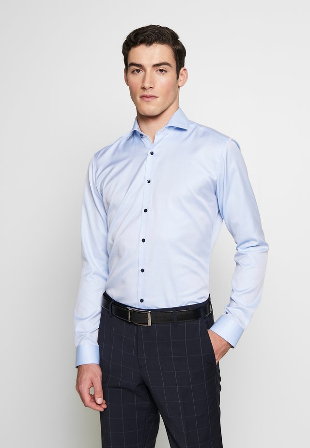 SUPER SLIM FIT HAI-KRAGEN - Business skjorter - blue