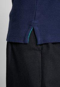 Wrangler - COLOURBLOCK - Polo shirt - navy - 5