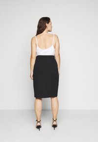 Simply Be - WRAP MIDI SKIRT WITH BUCKLE DETAIL - Pouzdrová sukně - black - 2