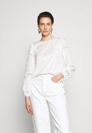 GIOTTO - Topper langermet - white