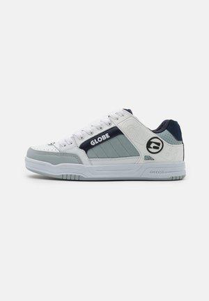 TILT - Skateschoenen - white/grey/navy