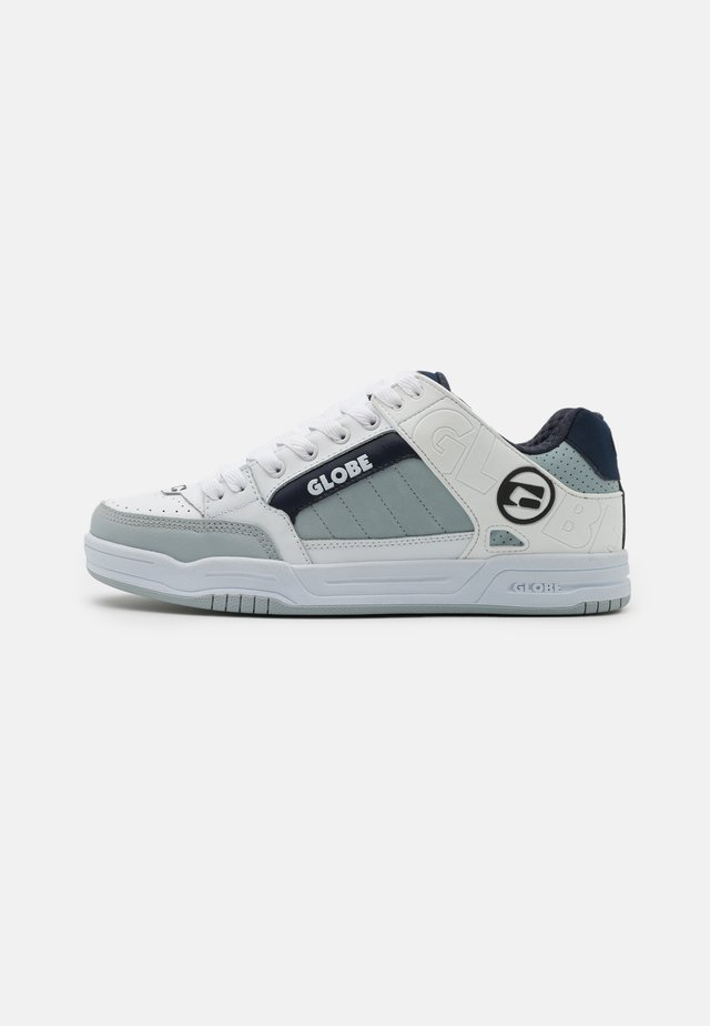 TILT - Skate shoes - white/grey/navy