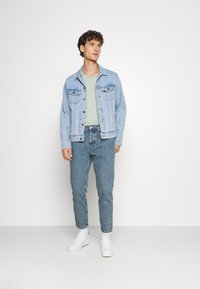 BDG Urban Outfitters - DAD - Jeans Tapered Fit - light wash - 1