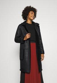 Oakwood - SISSI REVERSIBLE - Classic coat - black - 3