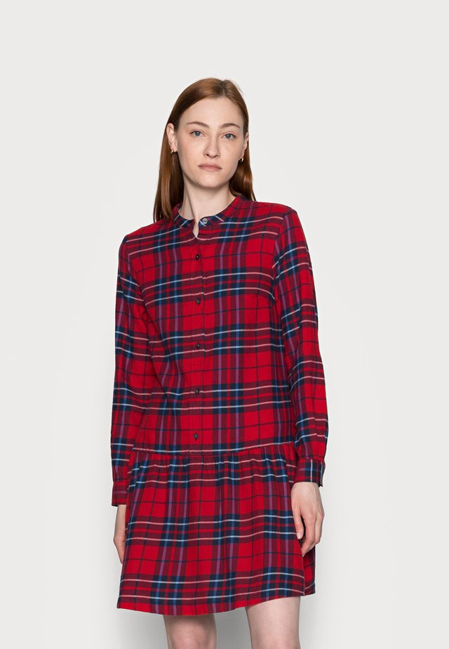 Košilové šaty - red plaid