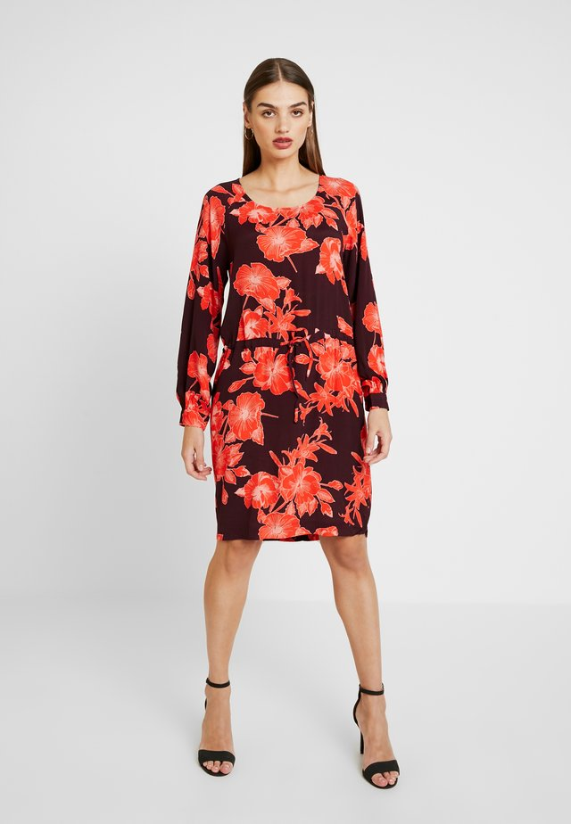 JAMILA - Day dress - winetasting/orange