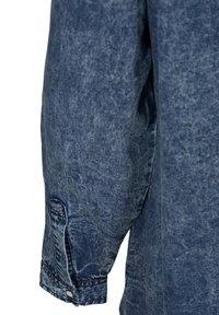 Zizzi - Button-down blouse - blue - 4